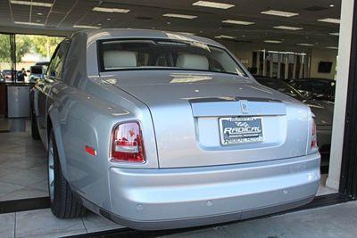 2004 Rolls-Royce Phantom LUXURY SEDAN